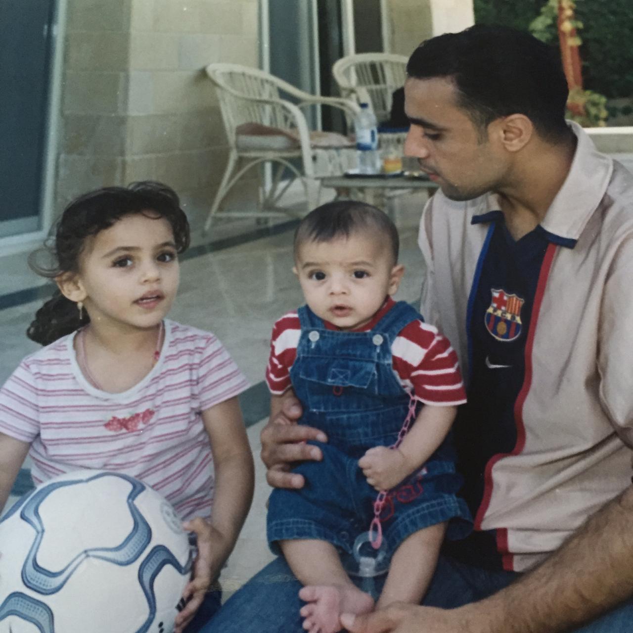 محمد عمارة وأبناءه