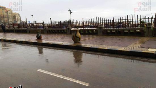 أمطار خفيفة وانخفاض درجات الحرارة فى الإسكندرية (4)