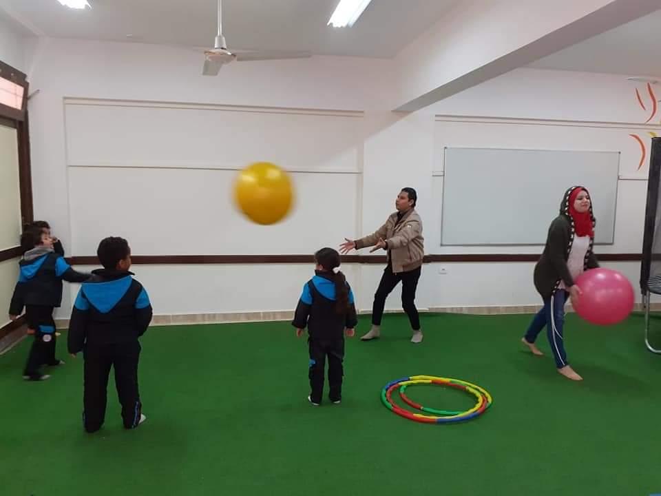 طلاب المدارس اليابانية يتعلمون من خلال اللعب كأحد أنشطة التوكاتسو (4)
