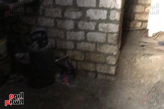 أسرة بسوهاج تطالب بإعادة بناء منزلهم (9)