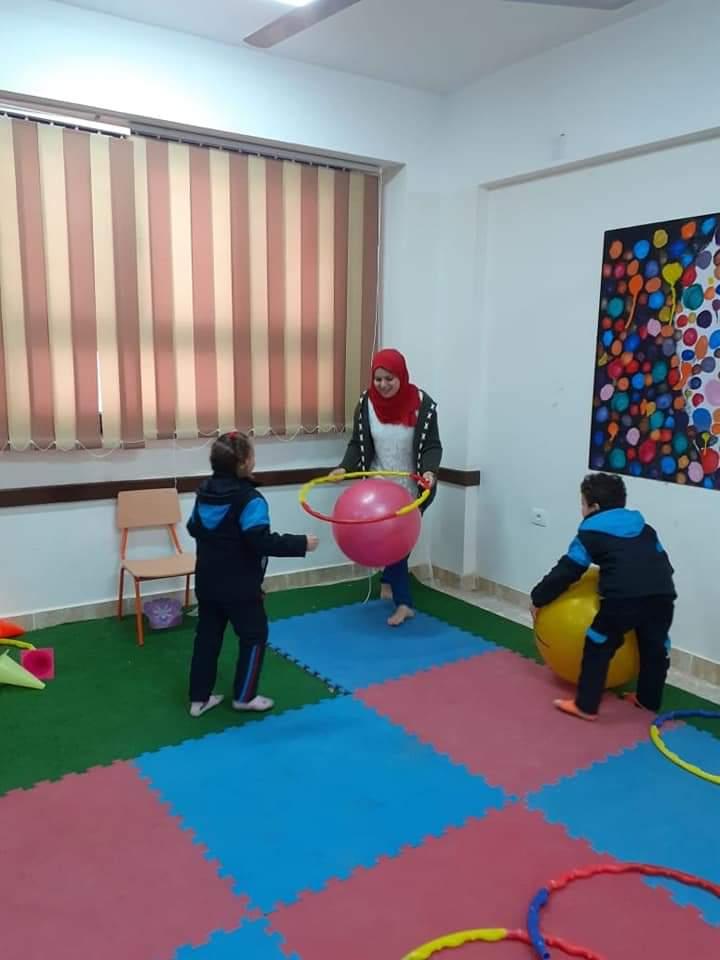 طلاب المدارس اليابانية يتعلمون من خلال اللعب كأحد أنشطة التوكاتسو (6)