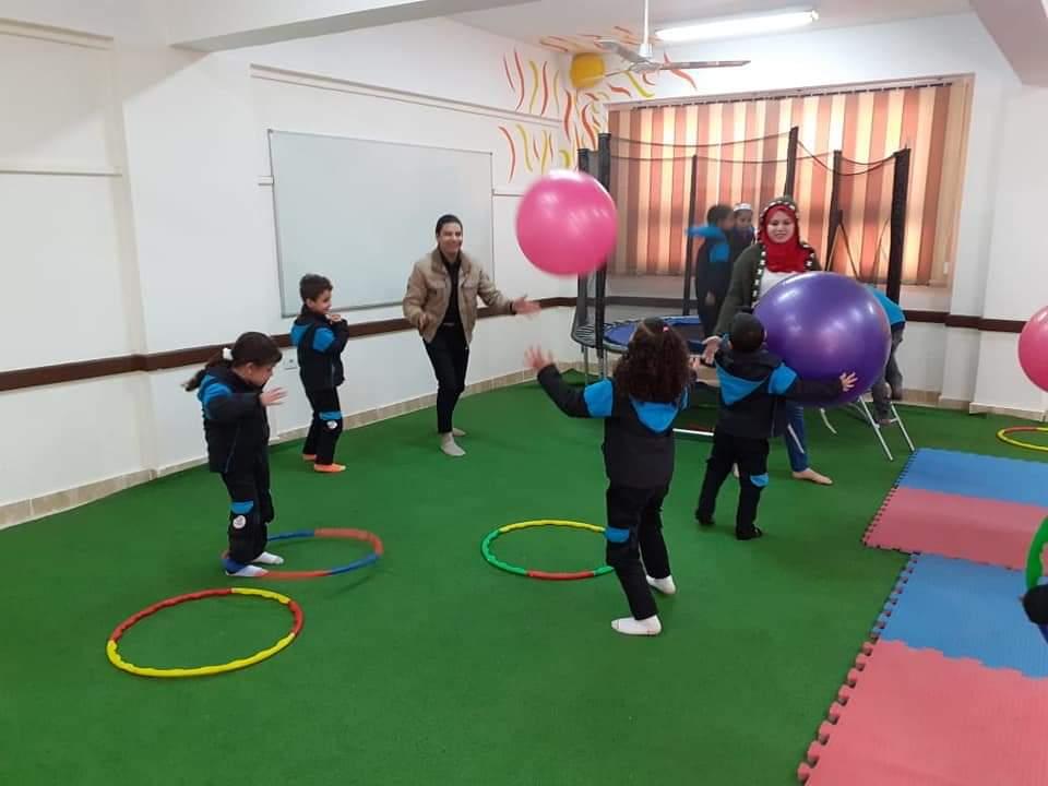 طلاب المدارس اليابانية يتعلمون من خلال اللعب كأحد أنشطة التوكاتسو (5)