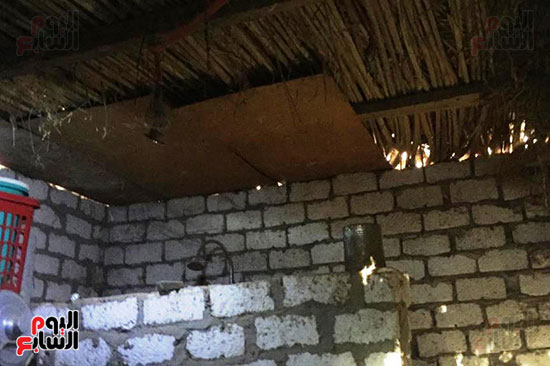 أسرة بسوهاج تطالب بإعادة بناء منزلهم (8)