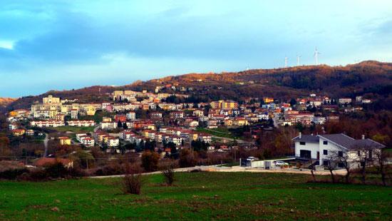 بلدة-تيورا