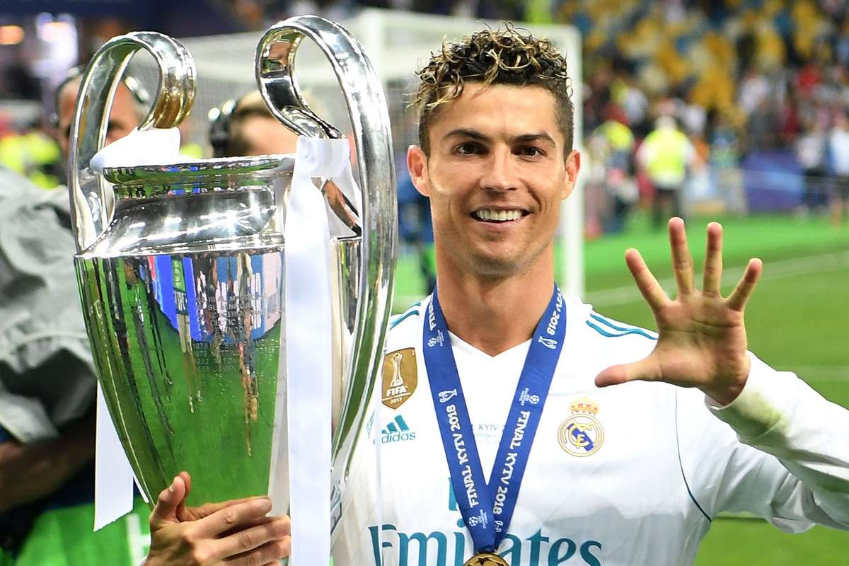 رونالدو فاز بدوري الابطال 5 مرات 4 منهم مع ريال مدريد