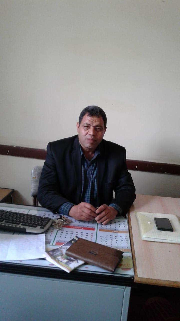 هشام إمام مدير مدرسة الفاروق الثانوية بنين بمدينة السادات بمحافظةالمنوفية (1)