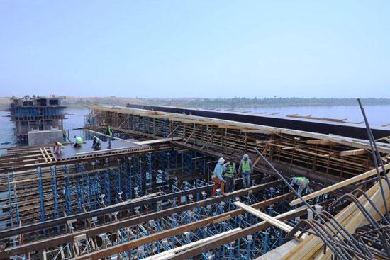 جولة داخل مشروعات محاور النيل الجديدة بأسوان (15)