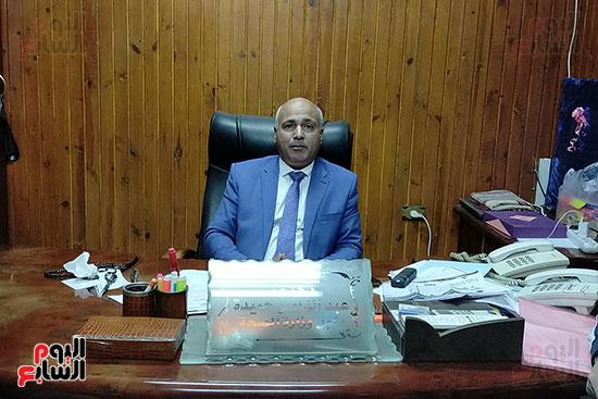الدكتور عبد الناصر حميدة مع مستشفى حكومى (1)