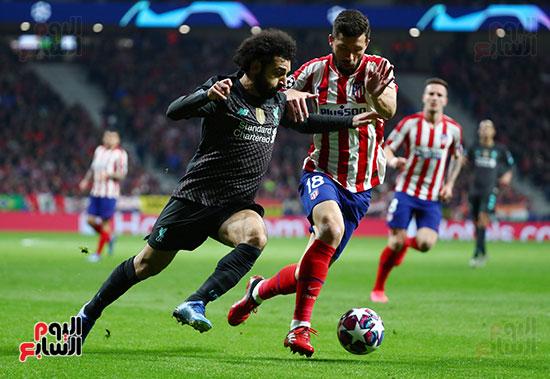 محمد-صلاح-فى-صراع-على-الكرة