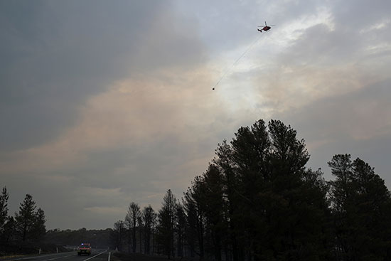 الطائرات تقوم بعملية إطفاء جوى فى حرائق استراليا