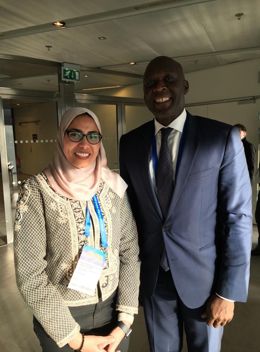 محررة اليوم السابع مع نائب رئيس البنك الدولي للبنية التحتية، مختار ديوب،