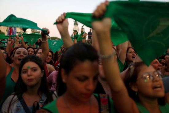مظاهرات نسوية فى الأرجنتين دفاعا عن الحق فى الإجهاض