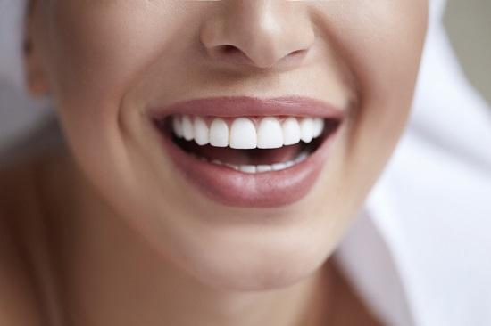 وصفات طبيعية لتبييض الأسنان (3)