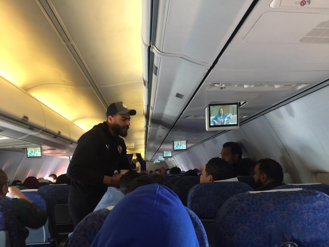 أبو جبل فى الطائرة