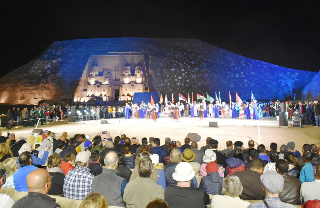 مهرجان أسوان الدولى للثقافة والفنون (2)
