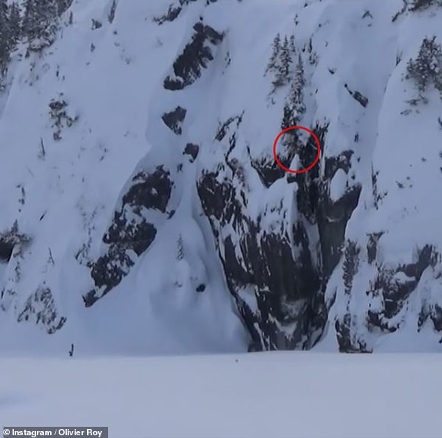 24993232-8026113-A_zoomed_out_view_of_the_mountain_where_the_snowboarder_was_trap-a-18_1582239530880