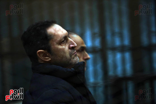 علاء مبارك  اثناء الجلسة