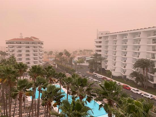 جانب من العاصفة الرملية بجزر الكنارى