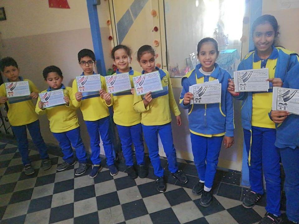 تعليم الأقصر تستكمل مسيرة فحص طلبة المدارس بأرمنت ووسط المدينة (3)