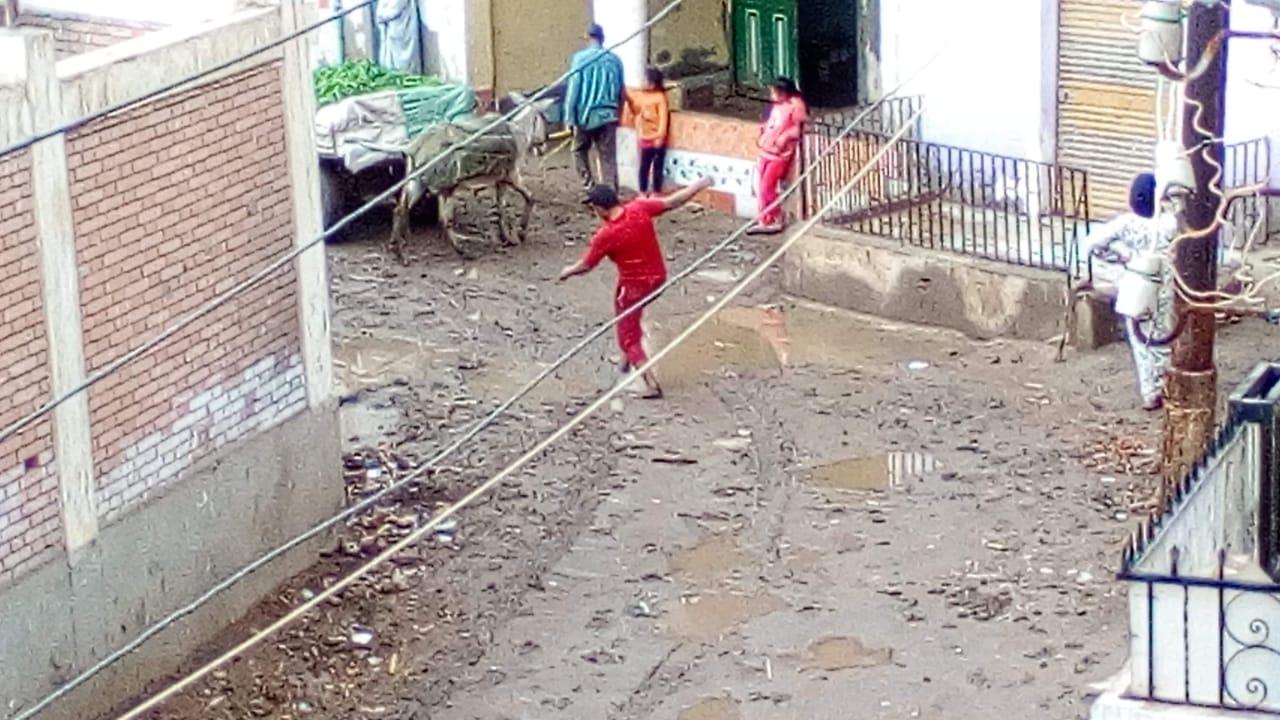 غرق شوارع القليوبية بمياه الأمطار (15)