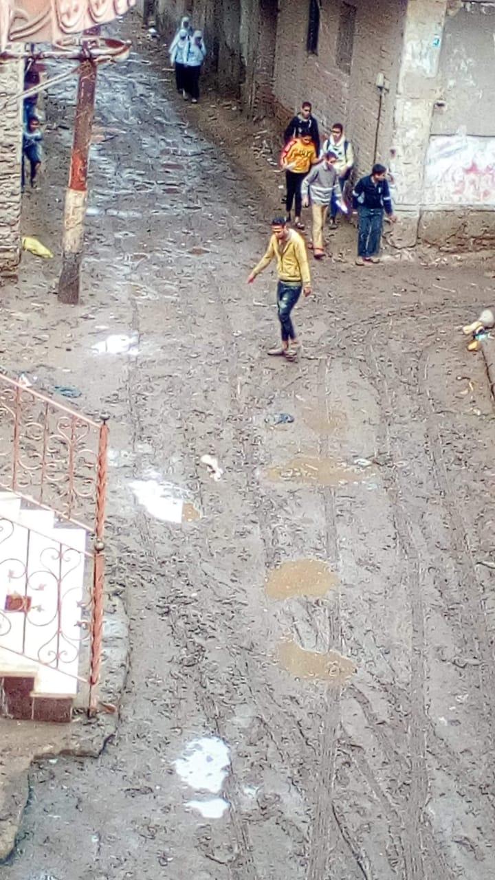 غرق شوارع القليوبية بمياه الأمطار (11)