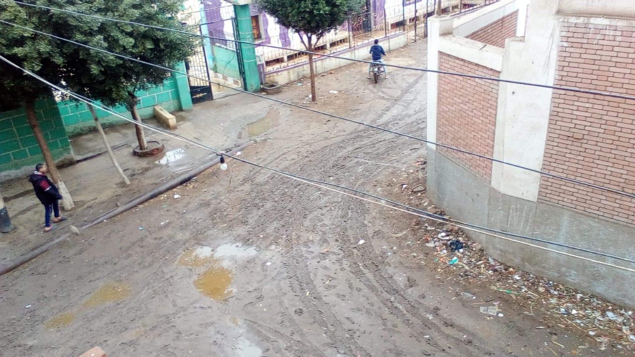 غرق شوارع القليوبية بمياه الأمطار (12)