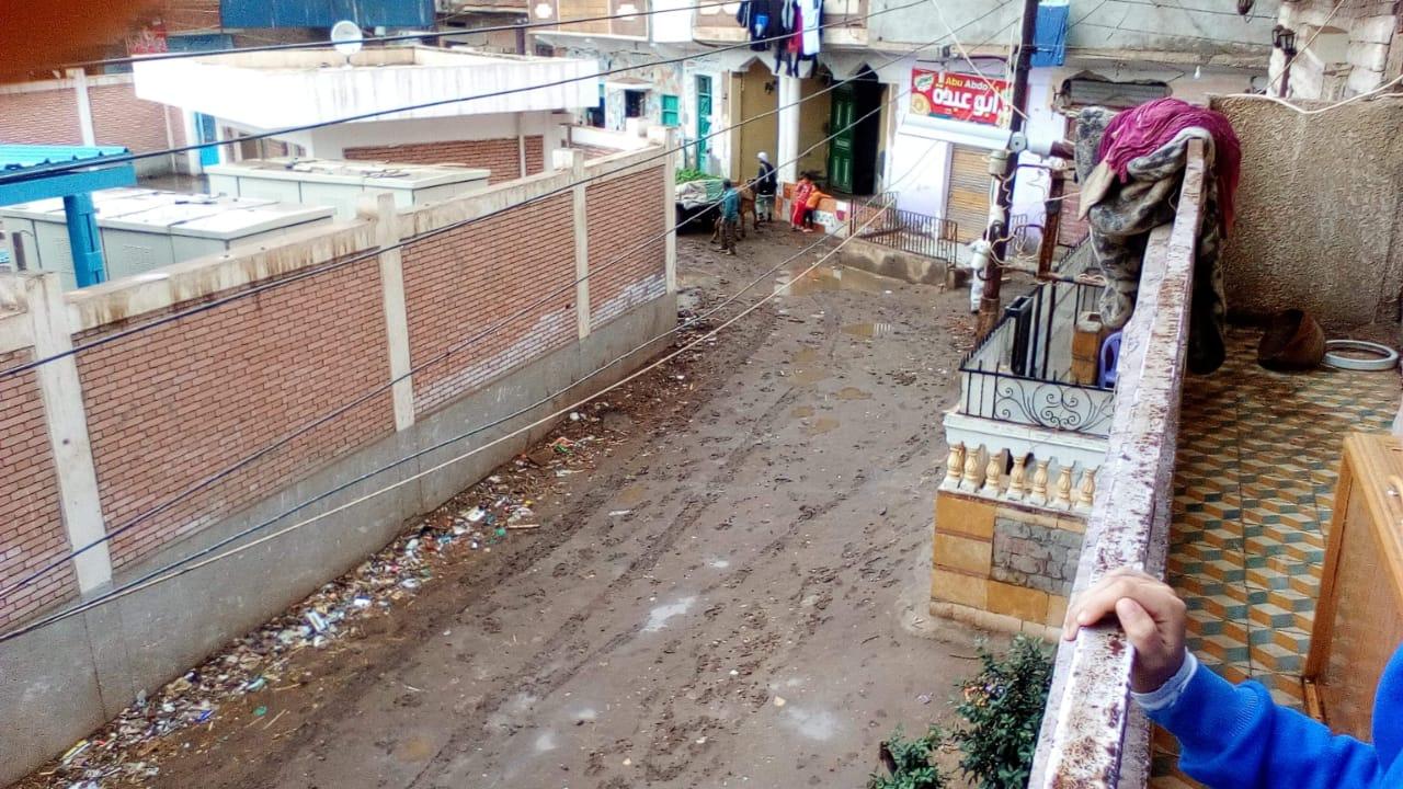 غرق شوارع القليوبية بمياه الأمطار (2)