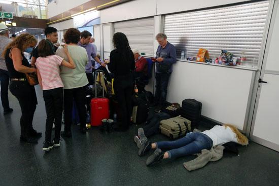 غلق المطار فى اسبانيا
