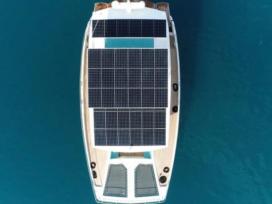 .. يخت يعمل بالطاقة الشمسية مدى الحياة بقيمته  3,3 مليون دولار  (1)