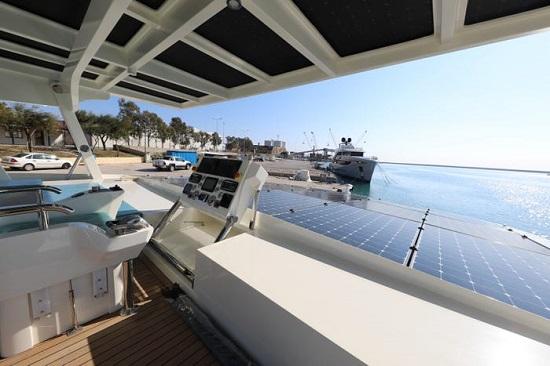 .. يخت يعمل بالطاقة الشمسية مدى الحياة بقيمته  3,3 مليون دولار  (23)