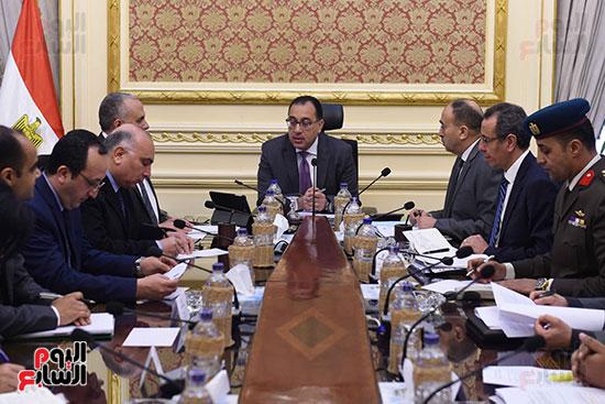 رئيس الوزراء يتابع أخر تطورات ملف سد النهضة (5)