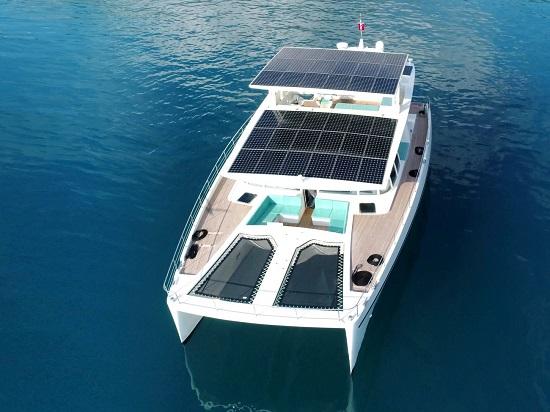 .. يخت يعمل بالطاقة الشمسية مدى الحياة بقيمته  3,3 مليون دولار  (4)