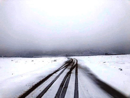 ثلوج-على-الطريق-المؤدى-للمحمية
