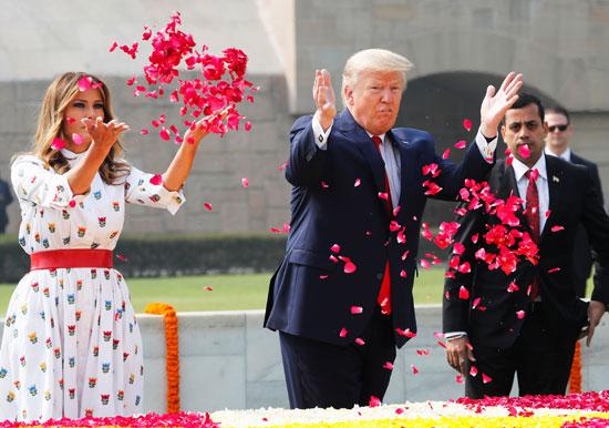 ترامب وميلانيا والنصب التذمارى لغاندى