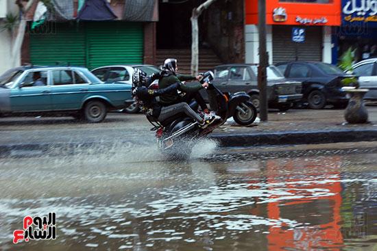 مياه الأمطار بعد موجة طقس سيء