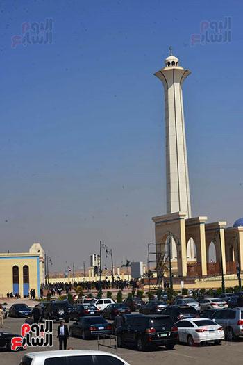 تشريفات أمنية بمدخل مسجد المشير لانتظار تشيع جثمان مبارك (7)