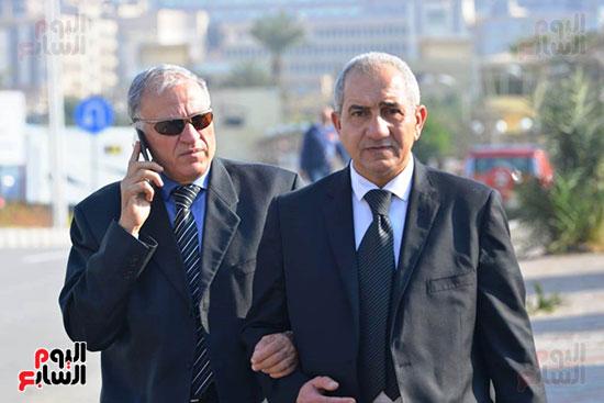 أحمد عز في جنازة مبارك (9)