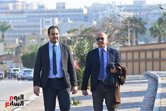 أحمد عز في جنازة مبارك (11)