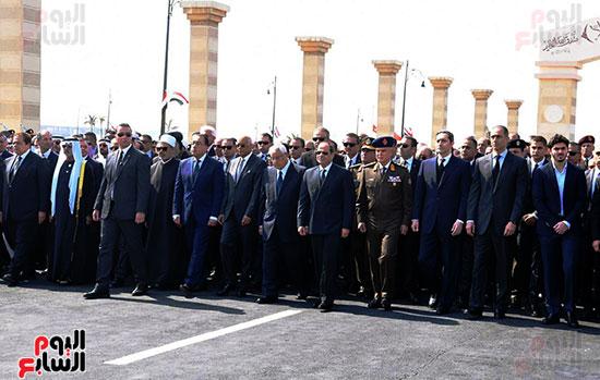 الرئيس السيسى يتقدم الجنازة العسكرية لتشييع جثمان مبارك