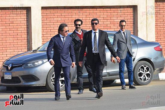 أحمد عز في جنازة مبارك (2)