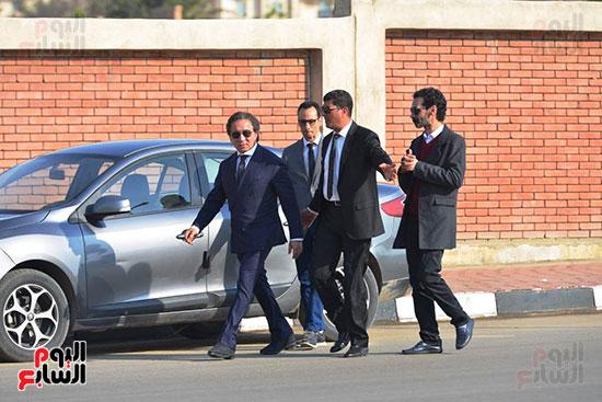 أحمد عز في جنازة مبارك (6)