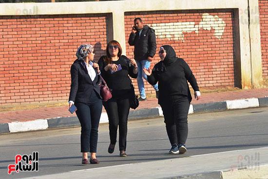 أحمد عز في جنازة مبارك (8)