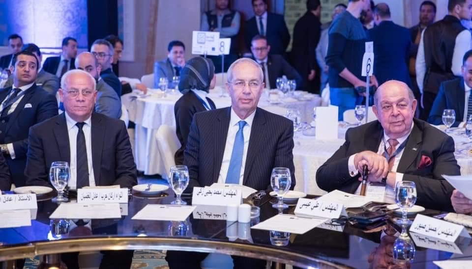 محافظ بورسعيد باجتماع لجنة النقل (2)