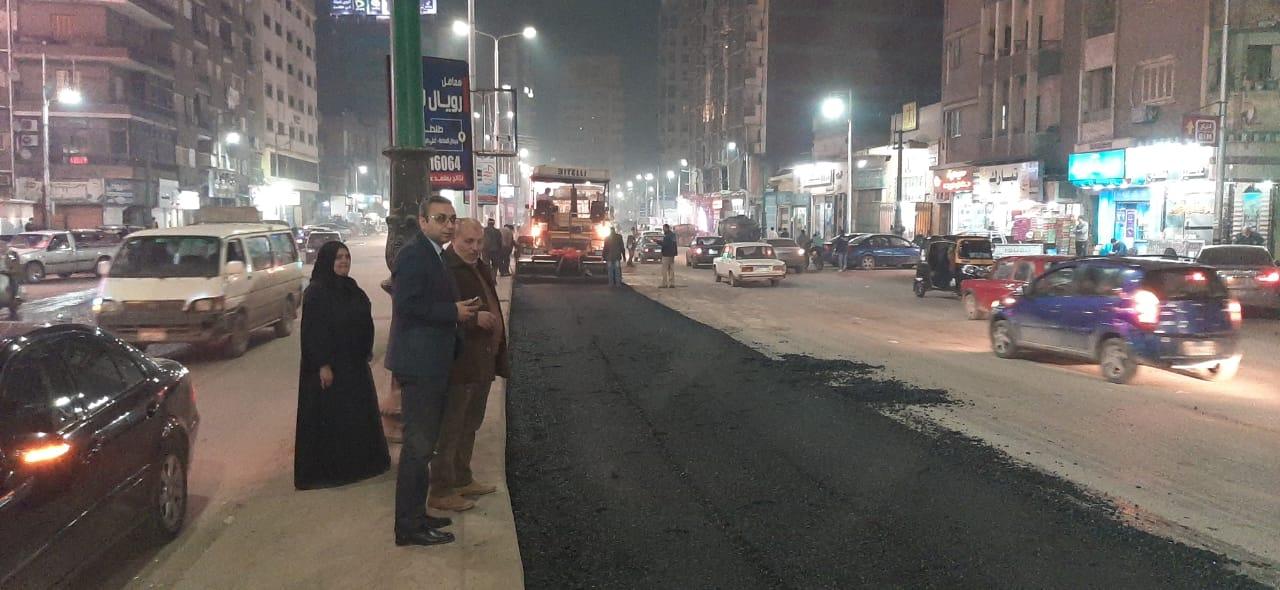 نائب محافظ الغربية يتابع أعمال الرصف بشارع الجلاء
