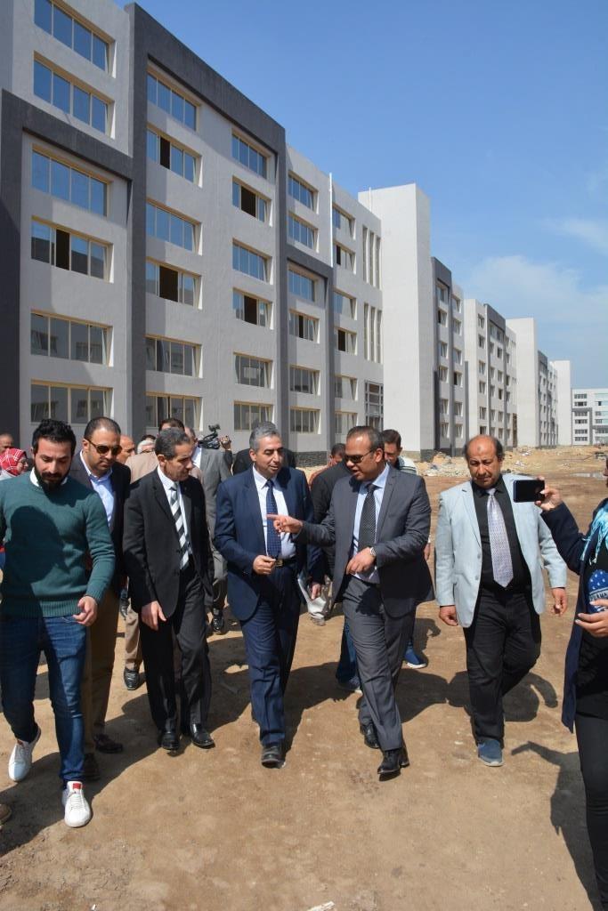 جولة محافظ الغربية ورئيس هيئة التنمية الصناعية على المشروعات (7)