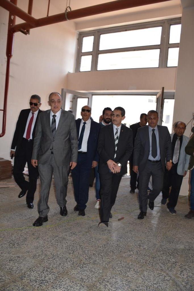 جولة محافظ الغربية ورئيس هيئة التنمية الصناعية على المشروعات (2)