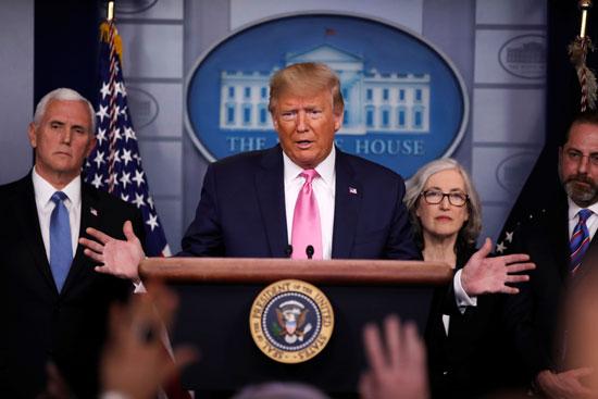 الرئيس الأمريكي ترامب يعقد مؤتمرا صحفيا حول تفشي فيروس كورونا في البيت الأبيض