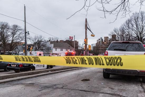 الشرطة الأمريكية تمنع دخول شركة الخمور محل إطلاق النار