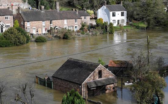 غرق البيوت