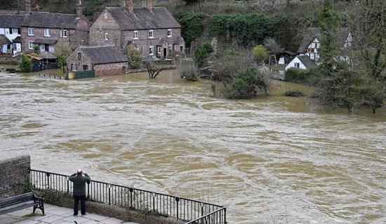 فيضان نهر سيفرن
